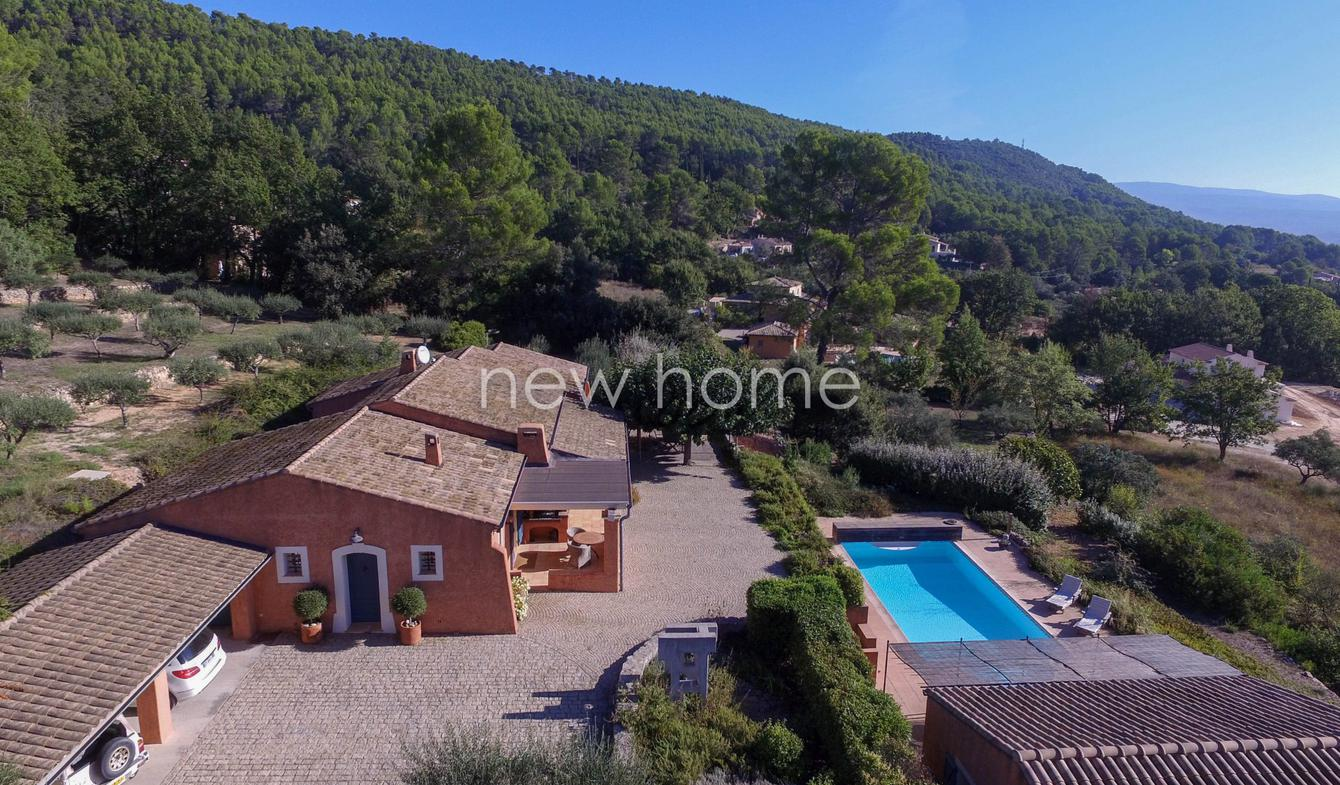 Villa avec piscine Salernes