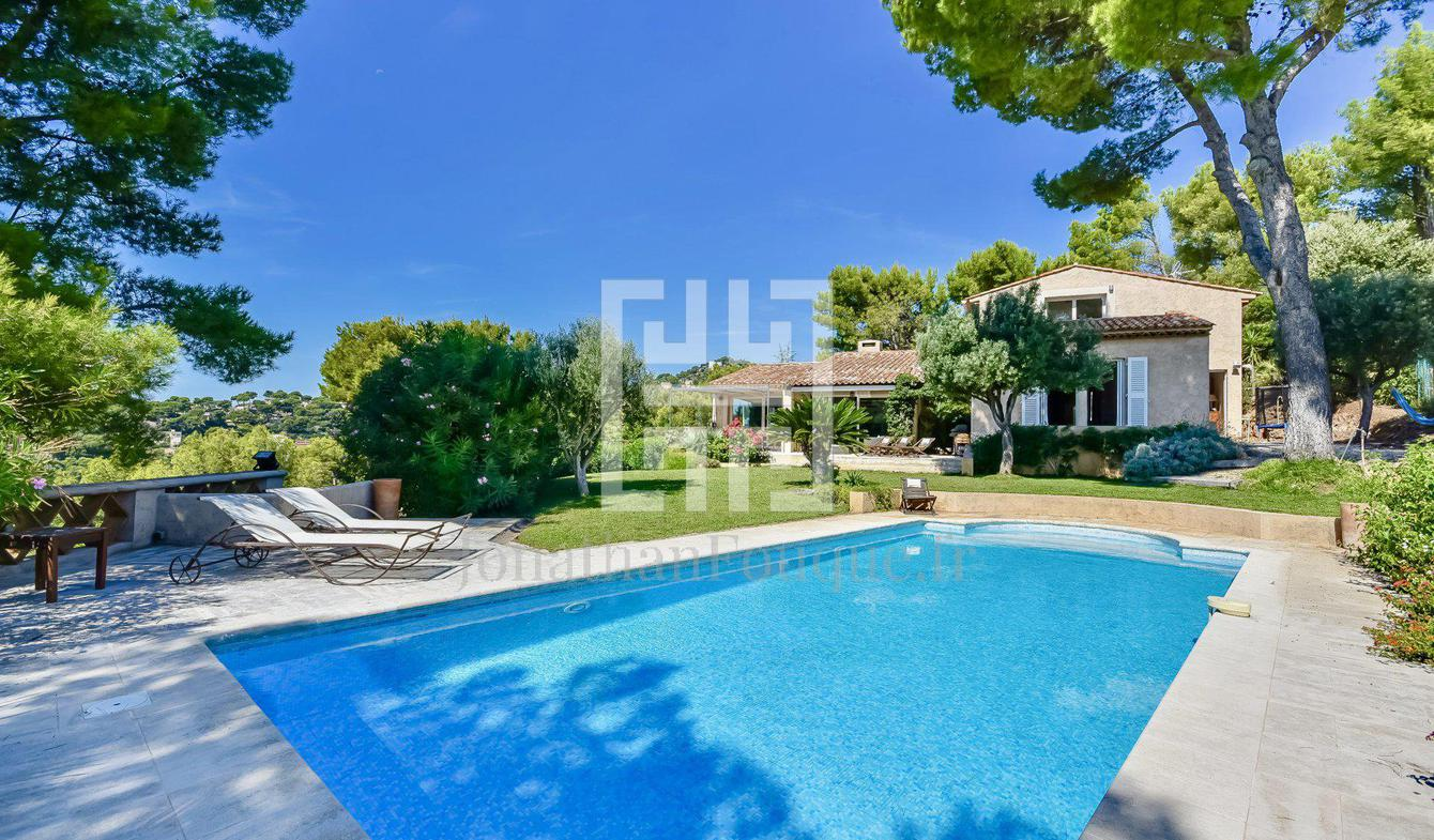 Villa with pool Hyeres