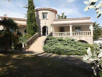 Villa 6 pièces 213 m2