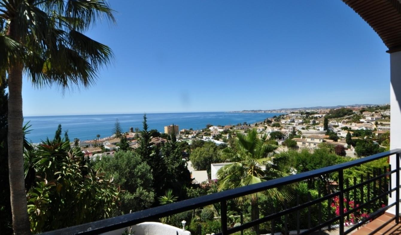 Villa avec piscine en bord de mer Benalmádena