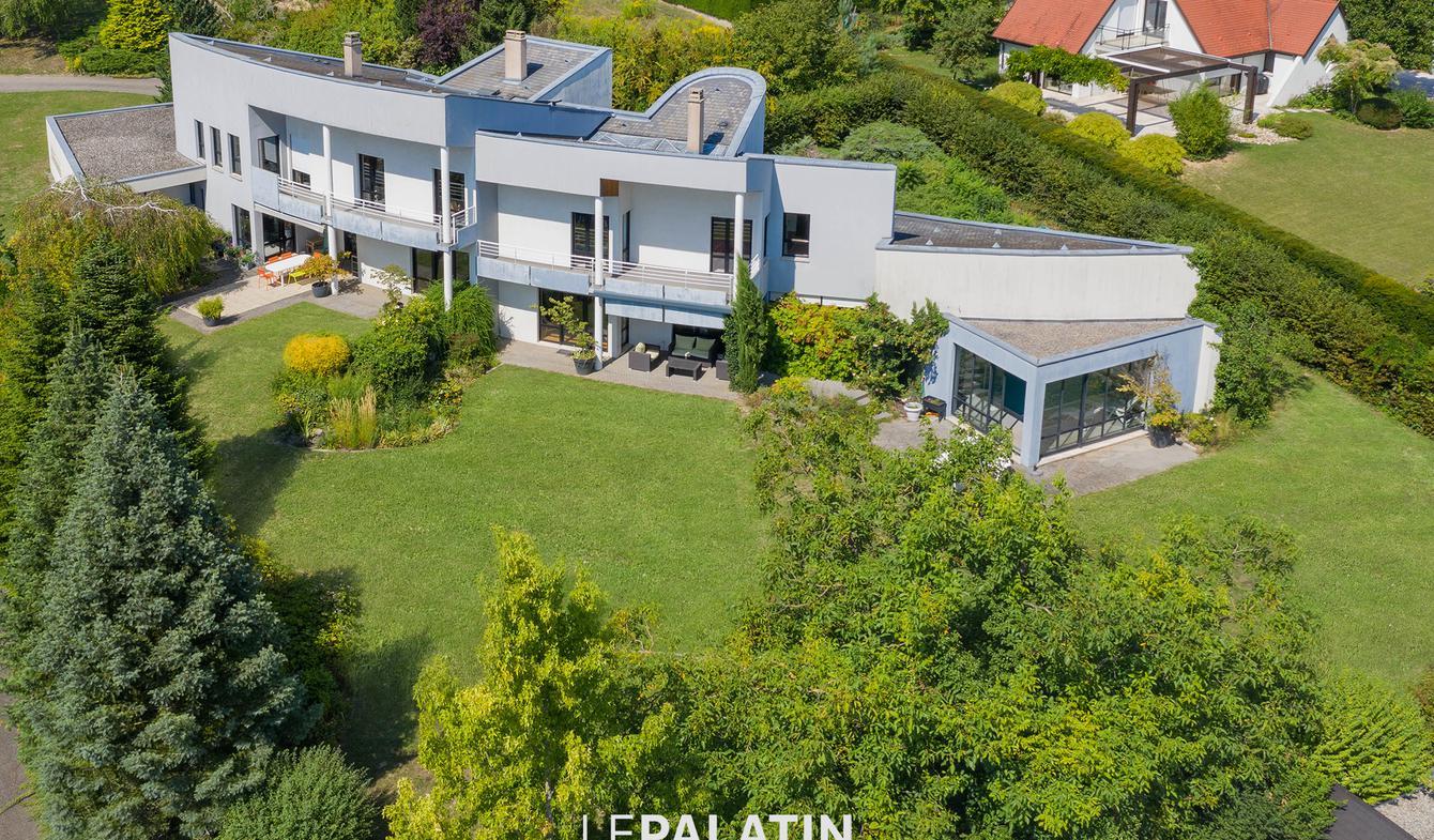 Maison contemporaine avec piscine et jardin Oberhausbergen