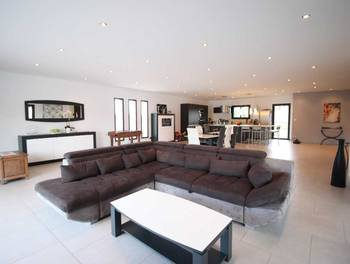 Maison 5 pièces 207 m2