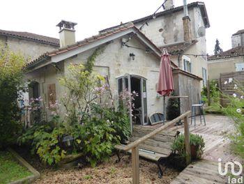 maison à La Rochebeaucourt-et-Argentine (24)