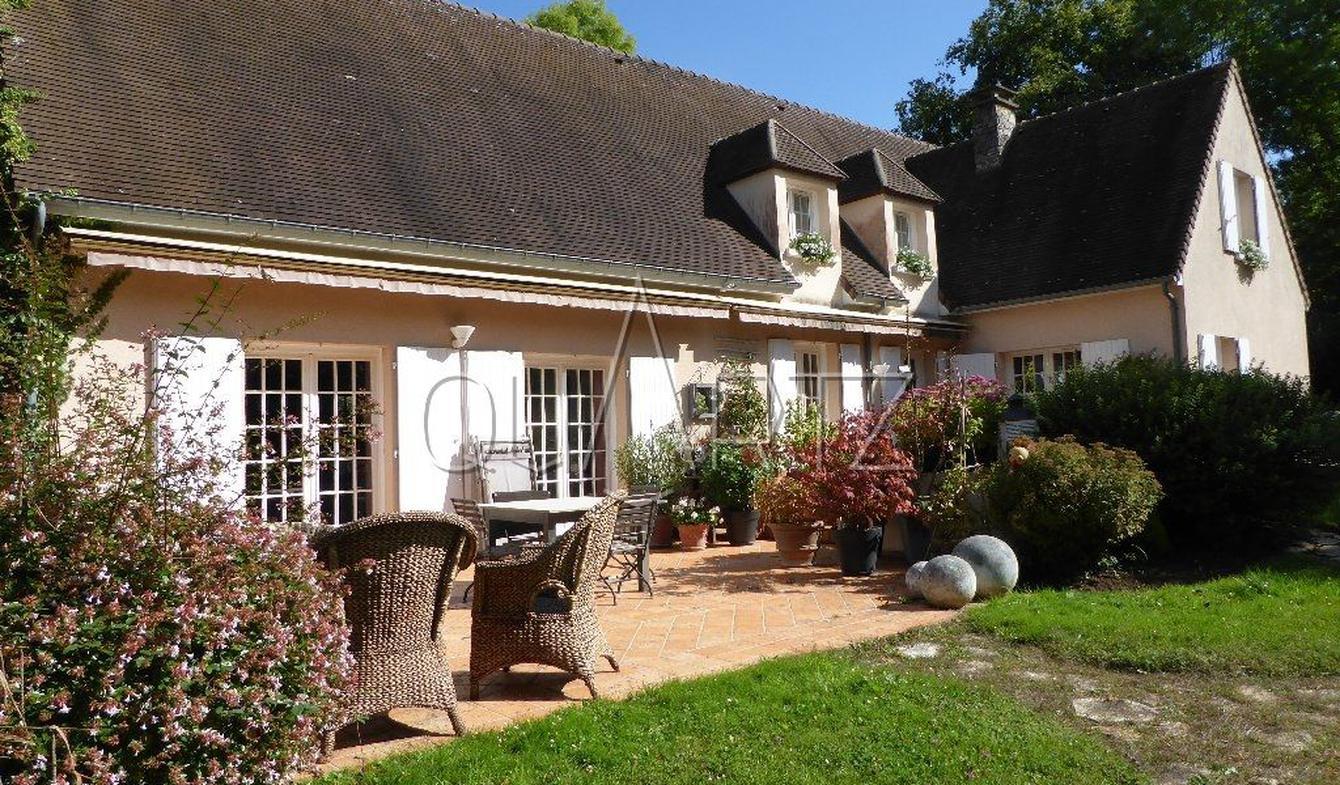 House with terrace Vigny