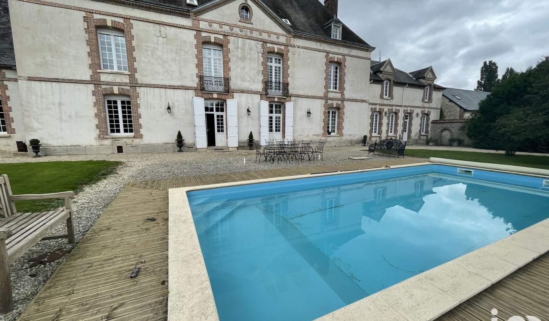 Maison avec piscine et terrasse Mondement-Montgivroux