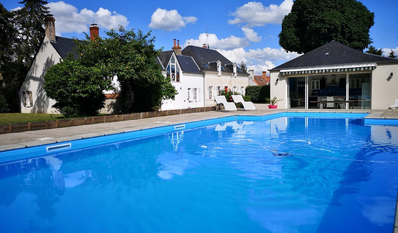 Maison avec piscine et terrasse Fleury-les-Aubrais