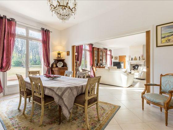 vente Villa 9 pièces 260 m2 Aix-en-Provence