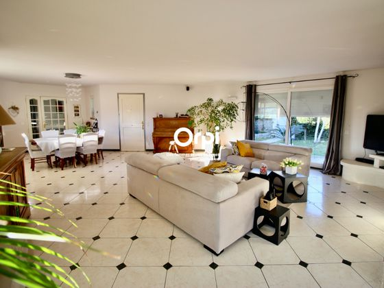Vente maison 6 pièces 210 m2