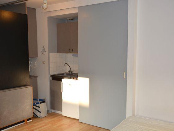 Location studio 23,84 m2