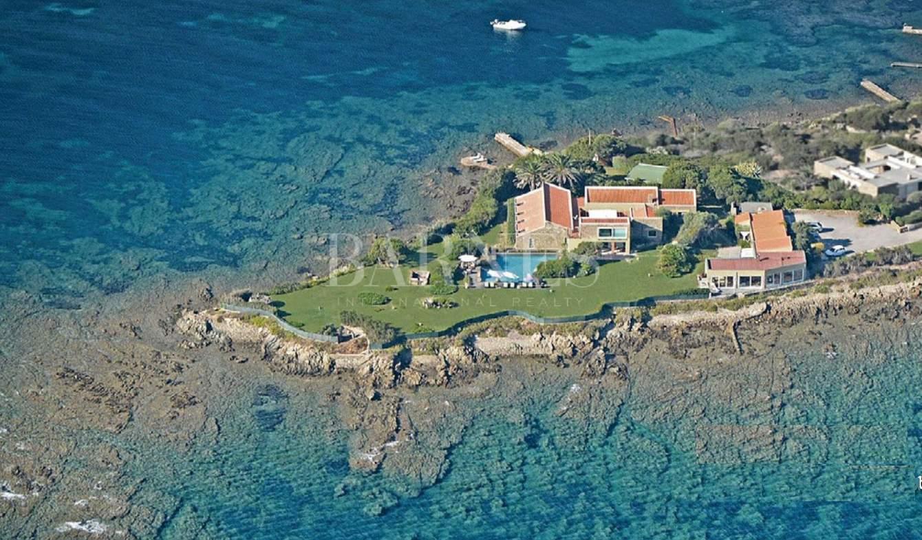 Villa avec piscine et jardin Stintino