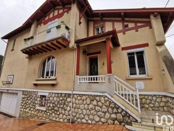 Maison 4 pièces 210 m2