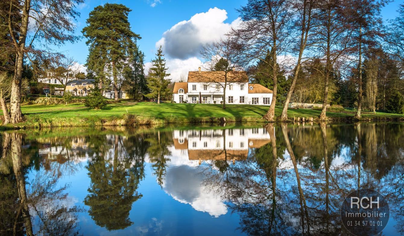 Propriété avec piscine Dampierre-en-Yvelines