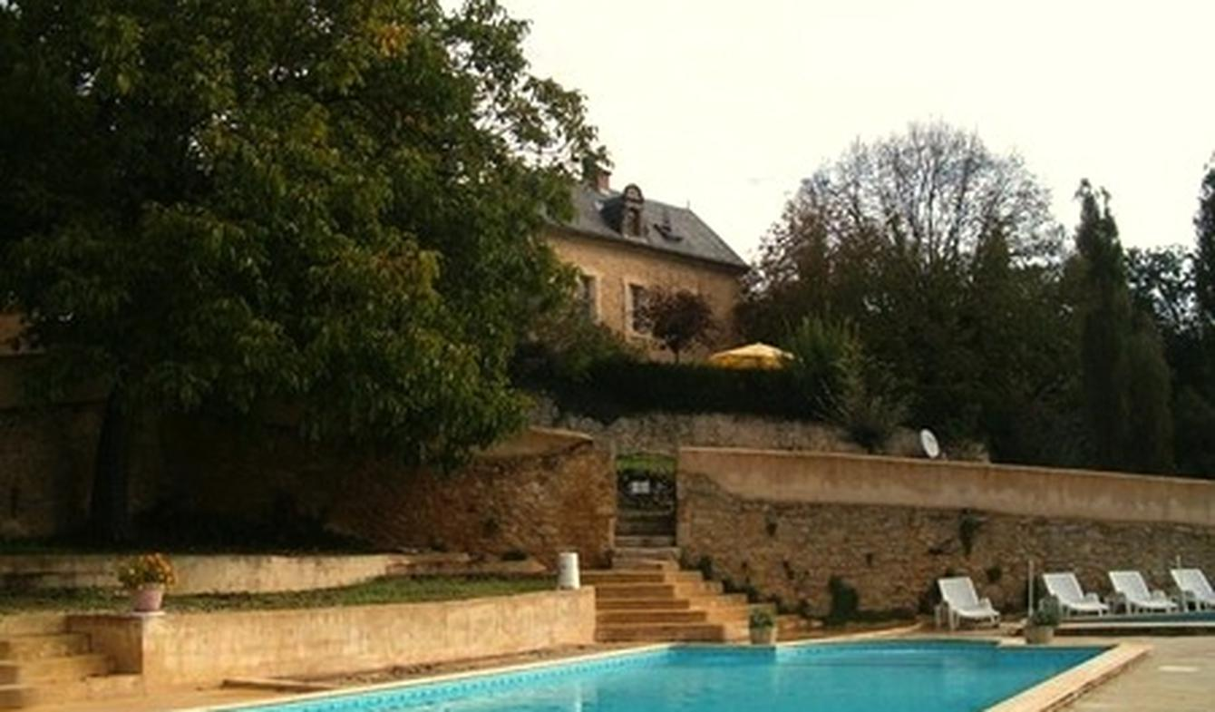 Propriété avec piscine et jardin Milhac