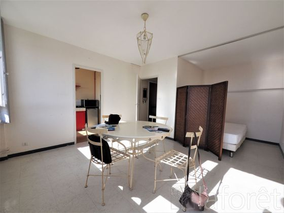 Location studio meublé 30,92 m2