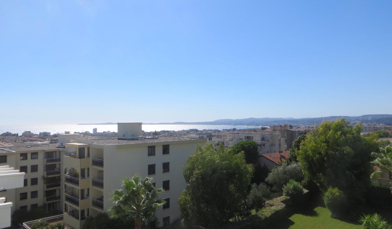 Apartment with terrace Saint-Laurent-du-Var