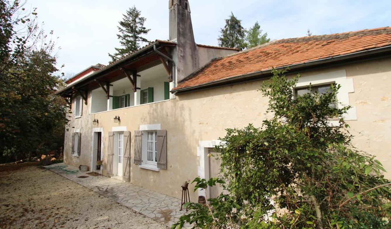 Maison avec terrasse Manzac-sur-Vern
