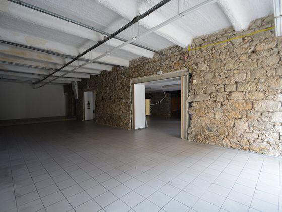 Location divers 3 pièces 225 m2