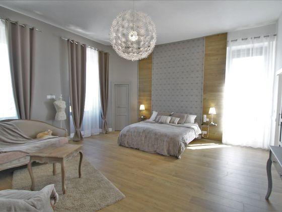 Vente château 9 pièces 310 m2