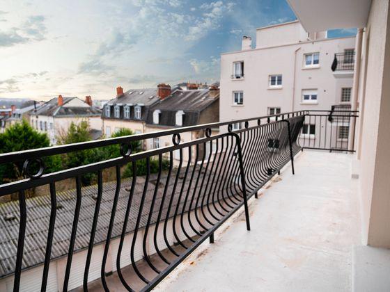 Location appartement 3 pièces 97,01 m2