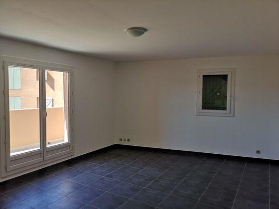 Location appartement 3 pièces 64,8 m2