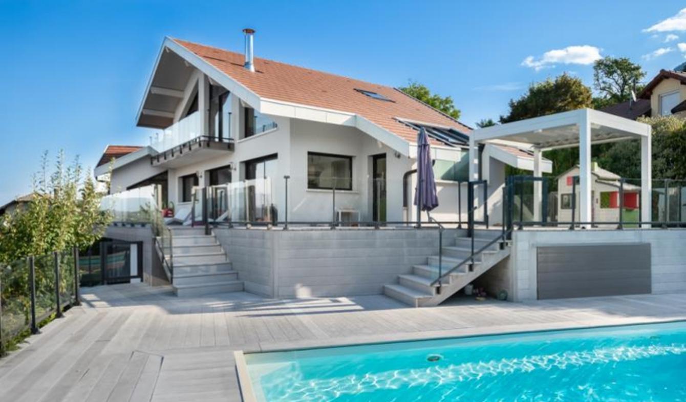 Maison avec piscine et terrasse Villaz