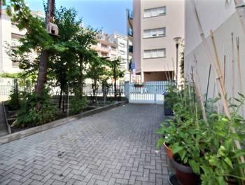 Maison 11 pièces 251 m2