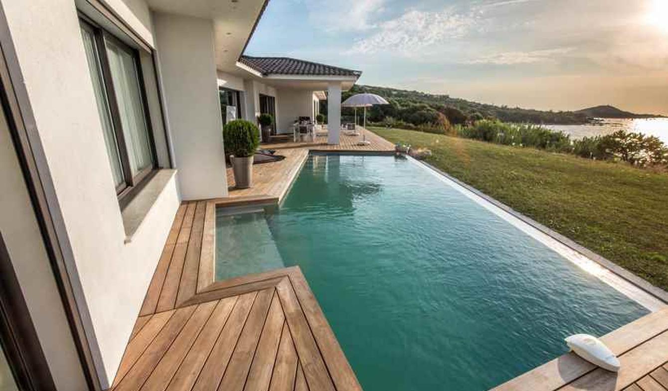 Maison avec piscine en bord de mer Pietrosella