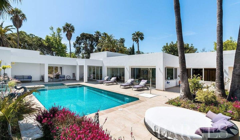 Villa with pool El Paraíso