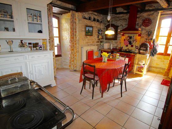 Vente propriété 7 pièces 185 m2