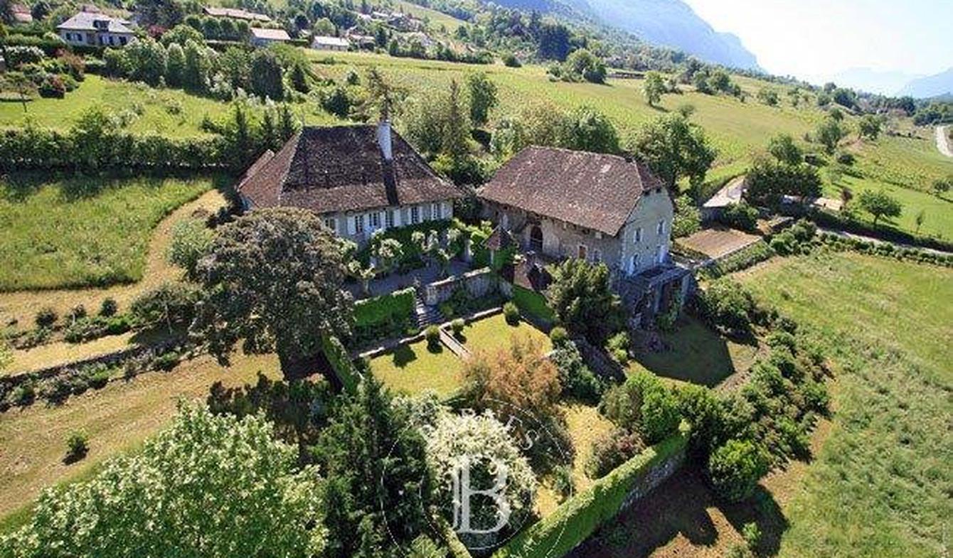 Property Aix-les-Bains