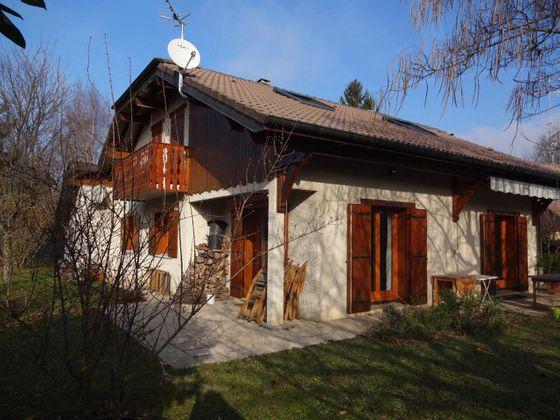 Vente maison 5 pièces 821 m2