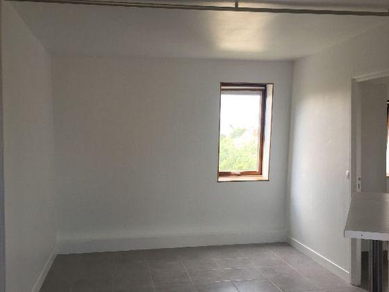 Location studio 33,18 m2