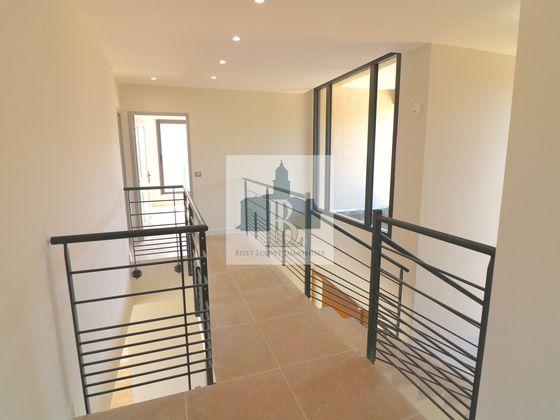 Vente villa 6 pièces 231 m2