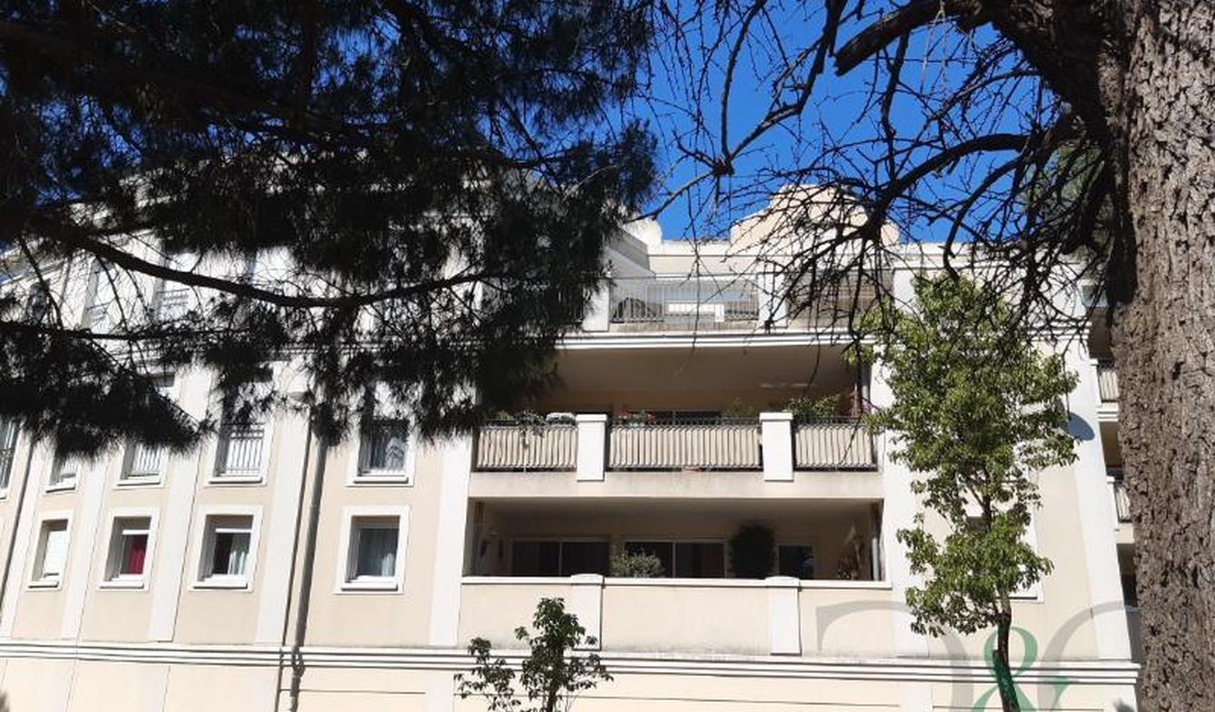 Appartement avec terrasse La Londe-les-Maures