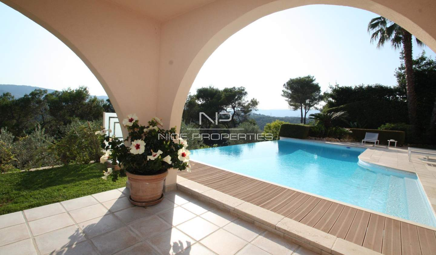 Villa with pool and garden Cannes
