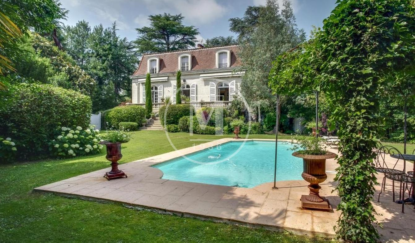 House with pool and terrace Aire-sur-l'Adour