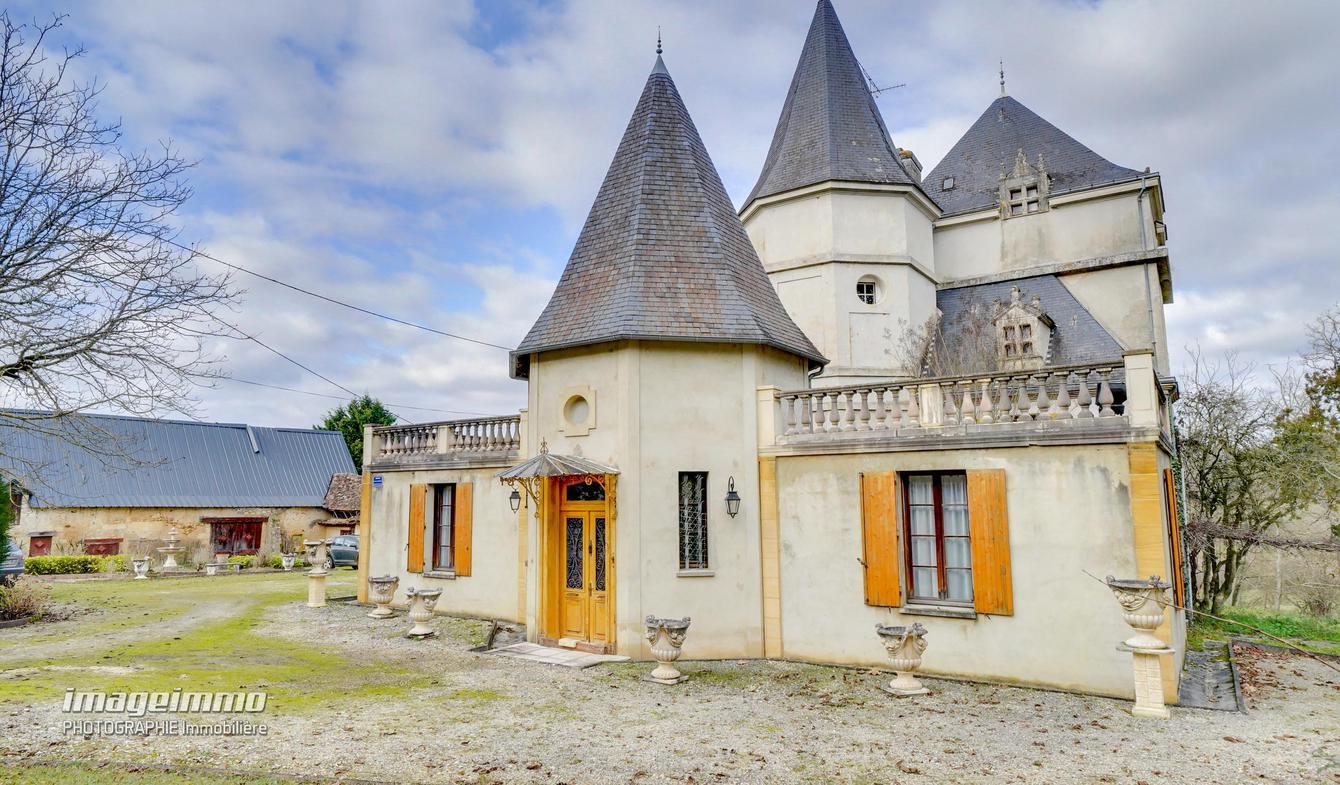 Maison avec piscine Liorac-sur-Louyre