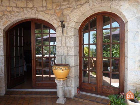 Vente villa 8 pièces 240 m2