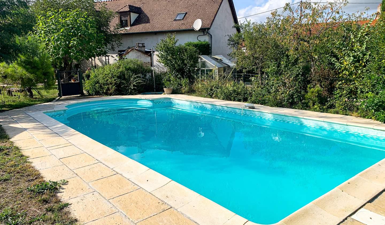 Maison avec piscine et terrasse Genlis