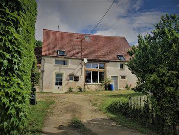 maison à Annoix (18)