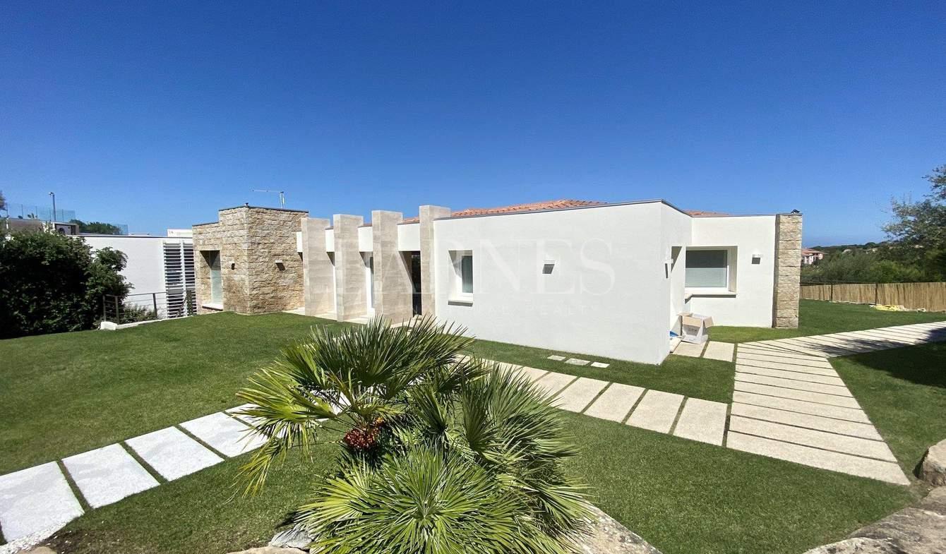 Villa avec piscine et jardin Olbia
