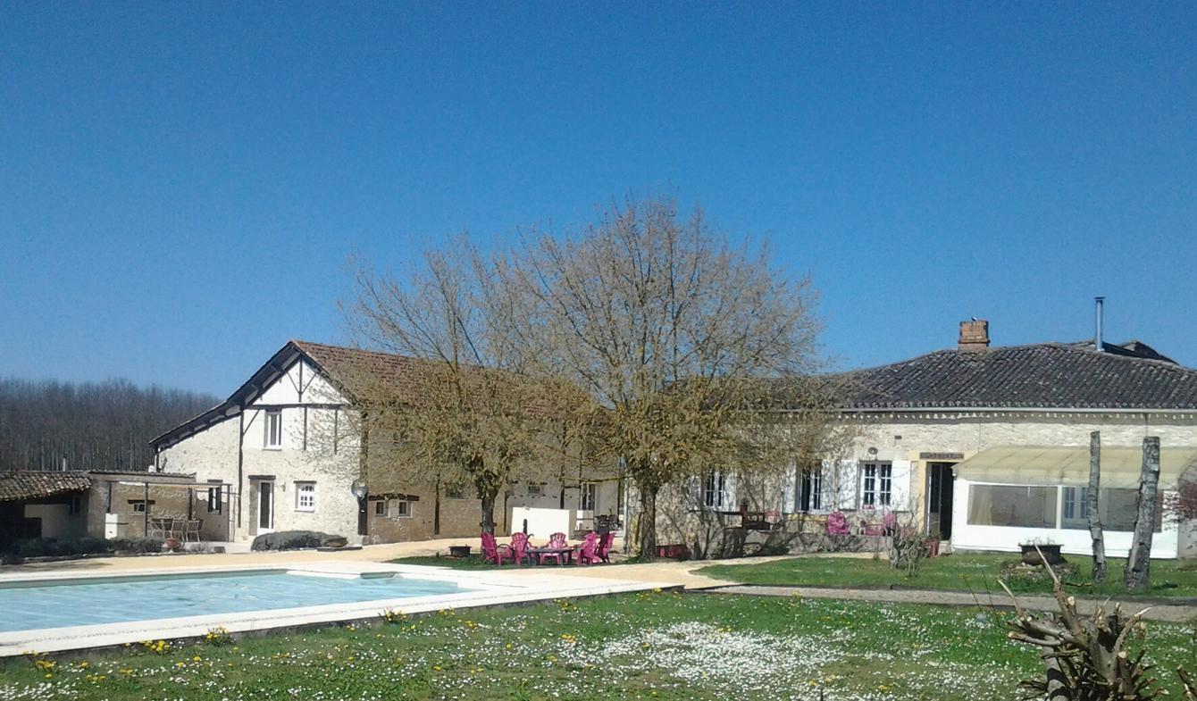 Maison avec piscine et jardin Sainte-Sabine-Born