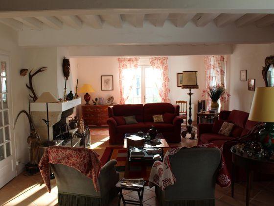Vente propriété 9 pièces 270 m2