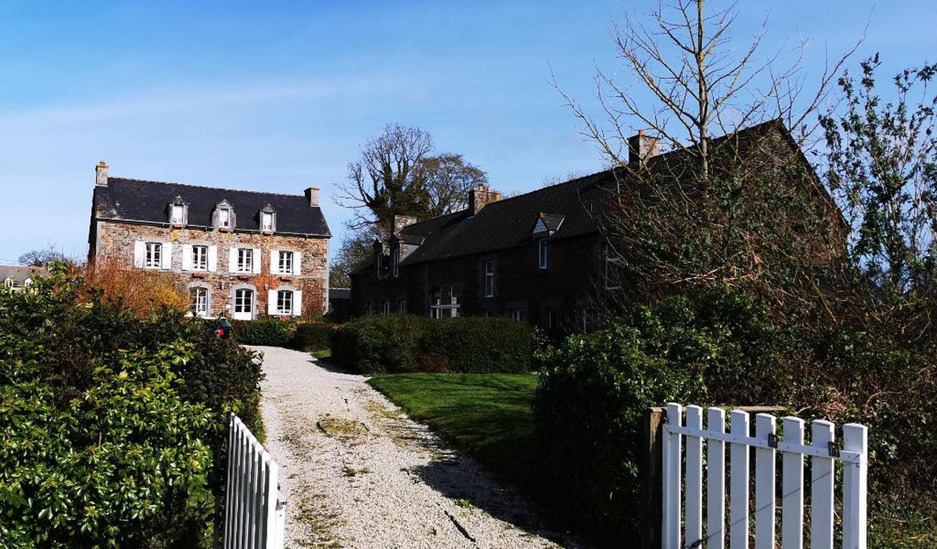 House with terrace Pleudihen-sur-Rance