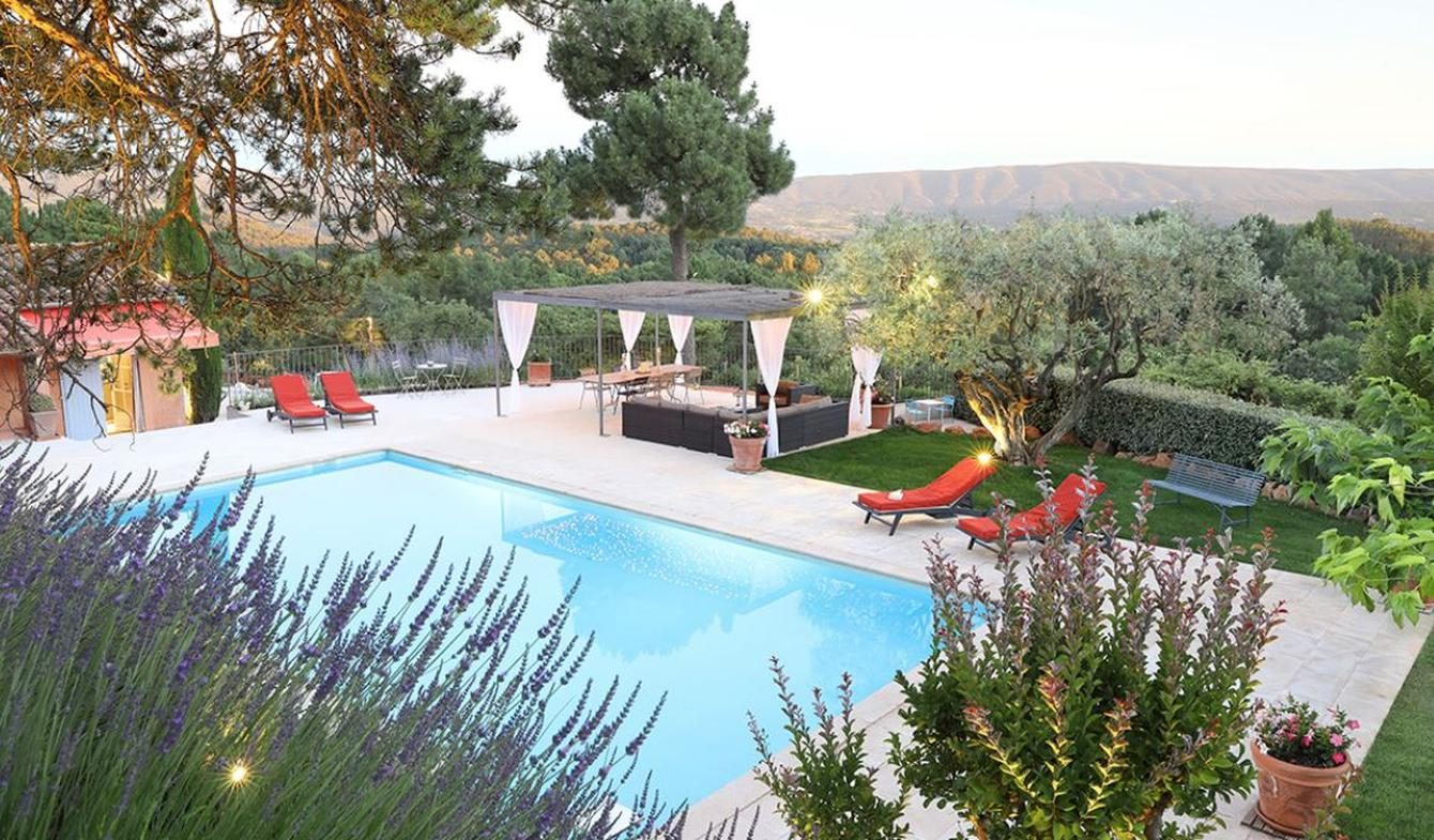 House with pool and garden Roussillon