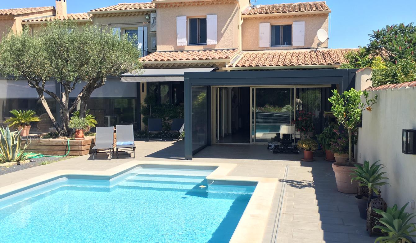 Villa avec piscine et terrasse Vedène