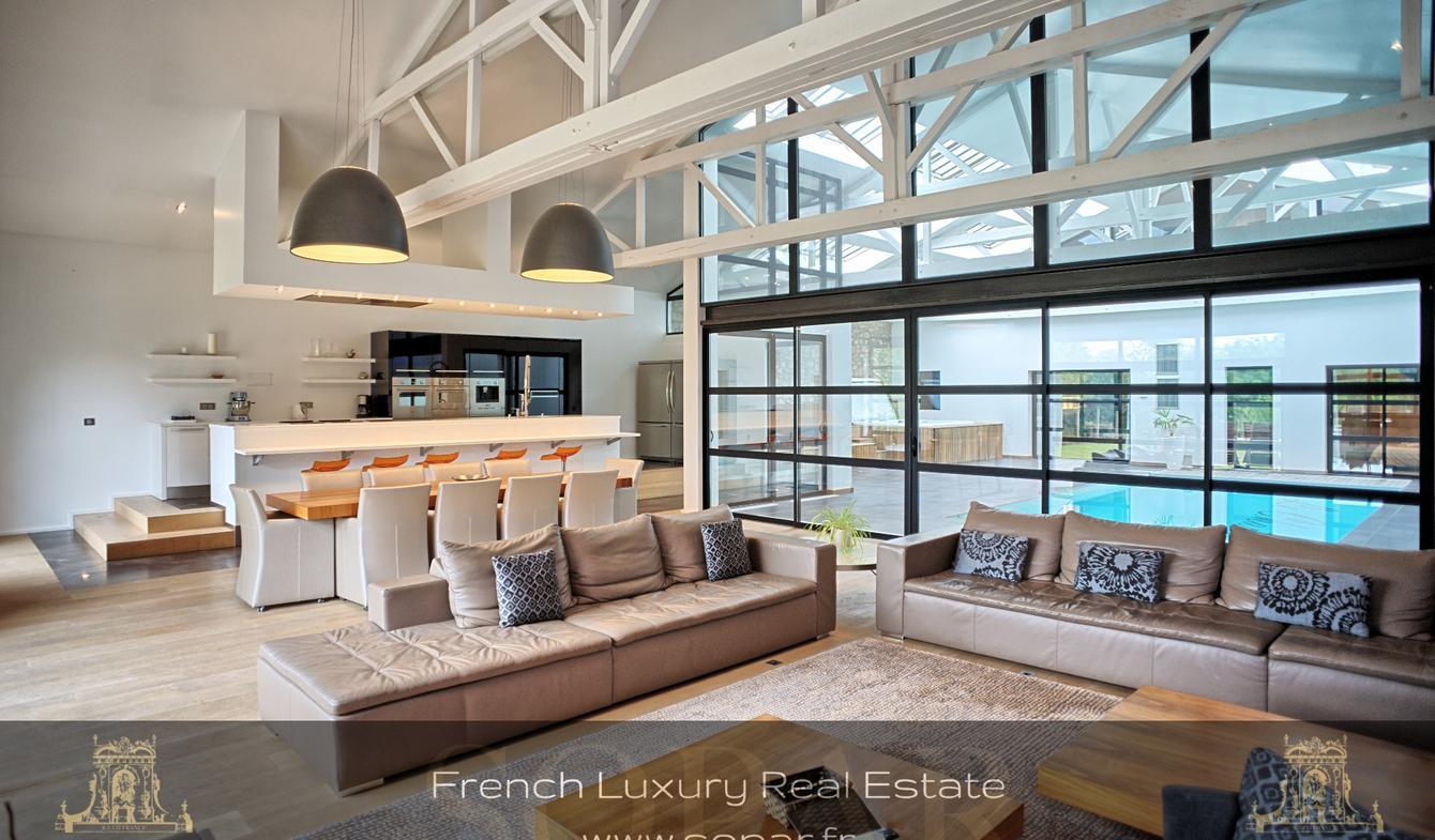 Maison avec piscine et terrasse Rochechouart