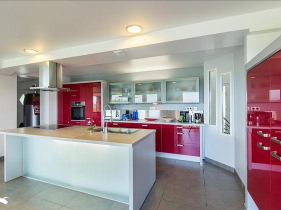 Vente maison 5 pièces 208 m2