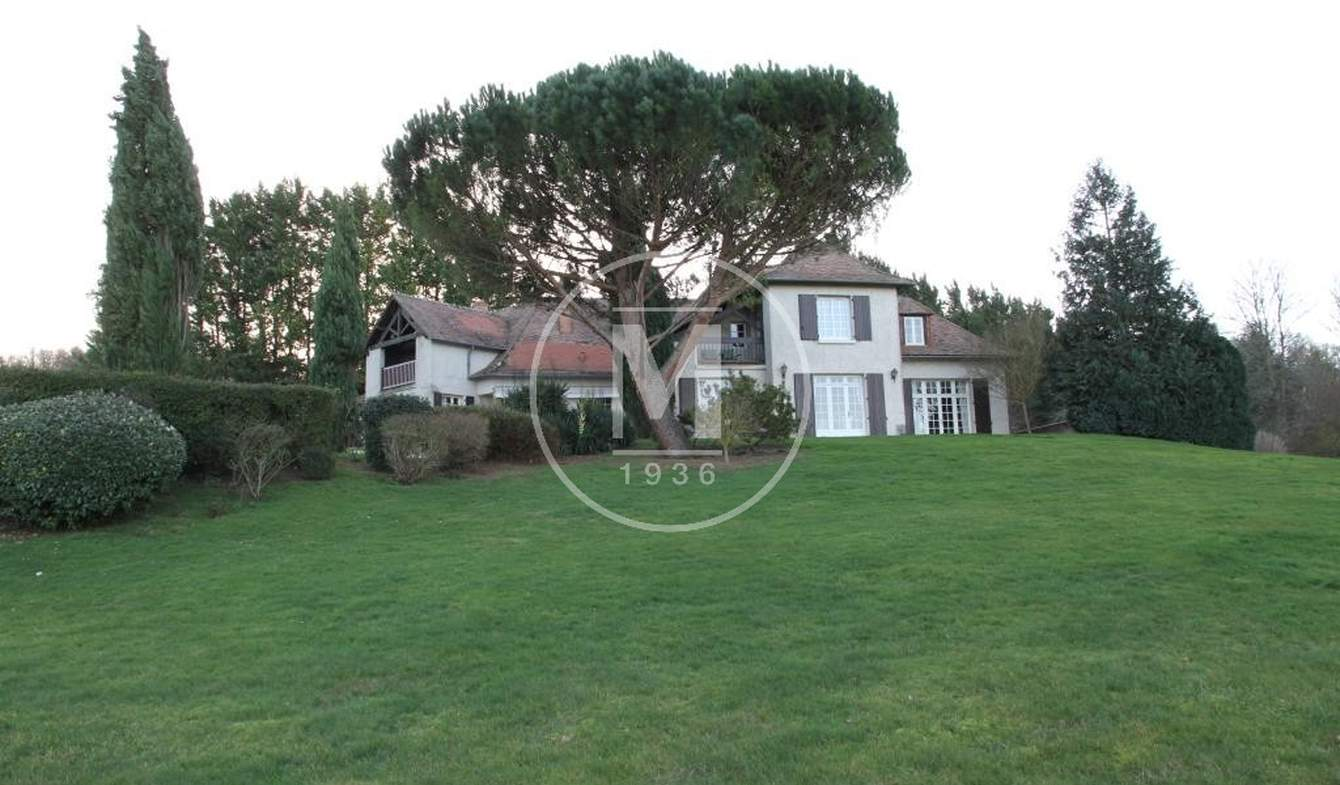 House with pool and terrace Cenon-sur-Vienne