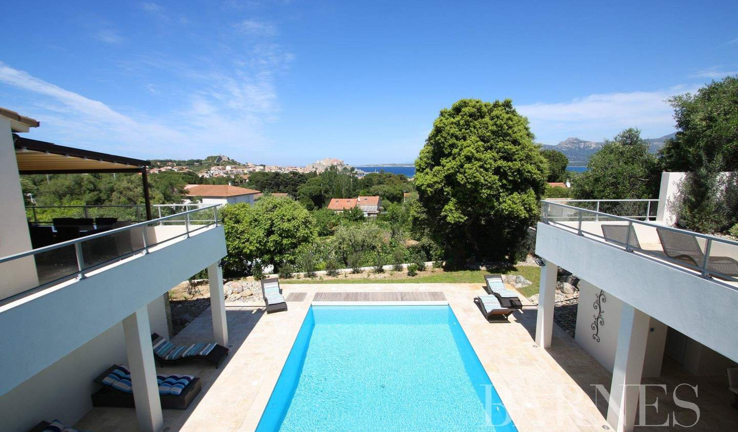 Villa with terrace Calvi